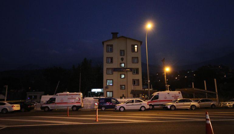 Adana'da silahlı saldırı: 2 polis şehit