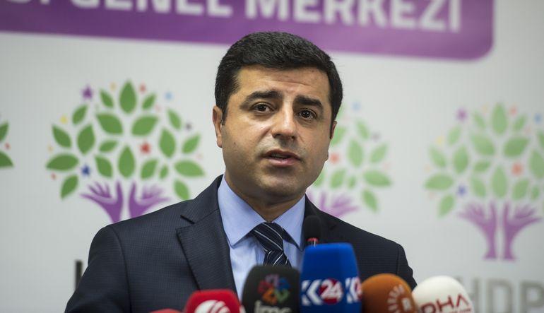 Demirtaş: HDP'yi kapatma hazırlığı yapılıyor