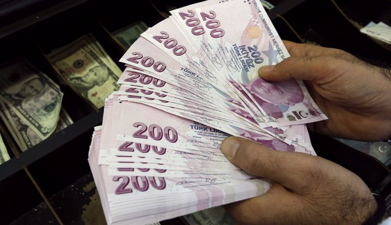 Piyasada sahte 200 lira paniği yaşanıyor