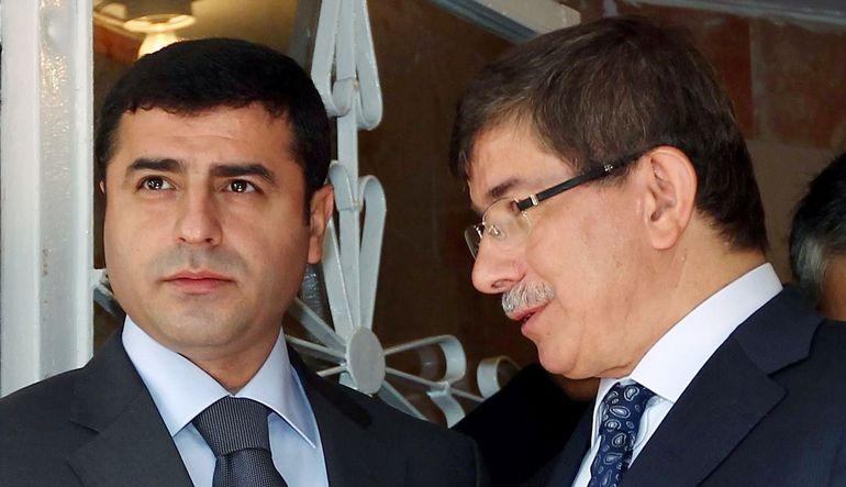 Anketlere göre oyunu artıran AK Parti için iktidar mümkün mü?