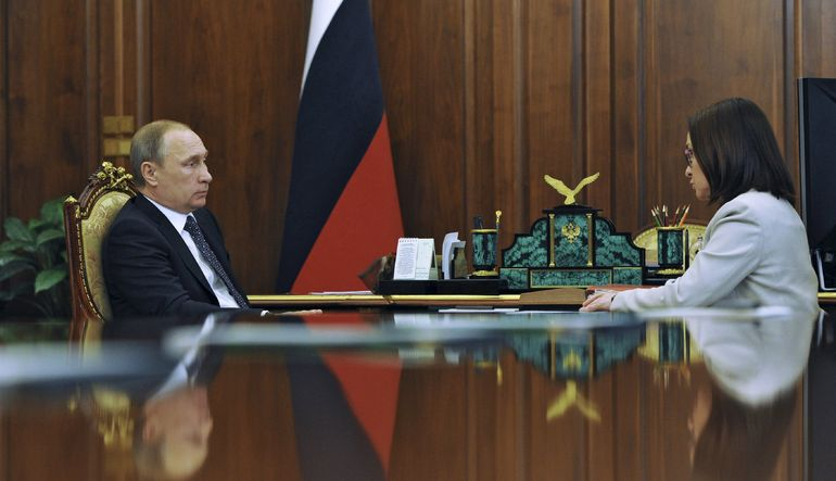Putin ve Rusya MB Başkanı ruble için biraraya geldi