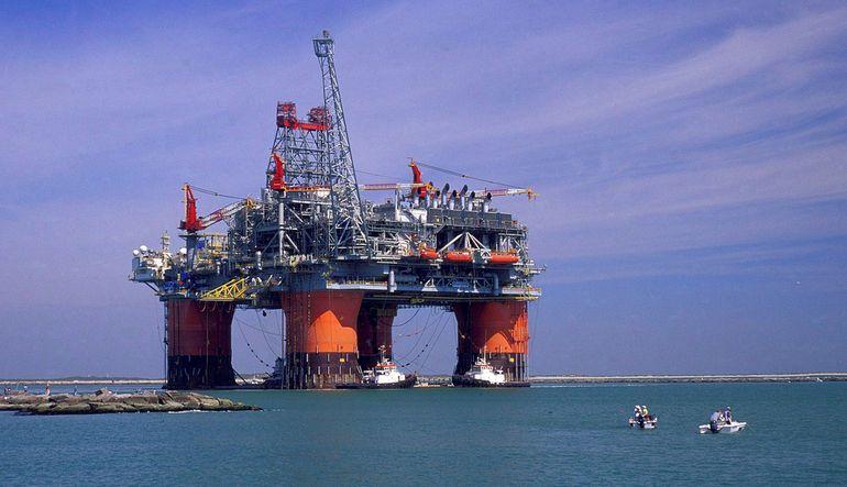 EIA: 2016'da petrol 59 dolar olacak