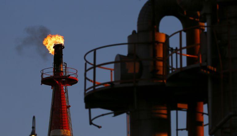 Petrol düşüşünü sürdürüyor