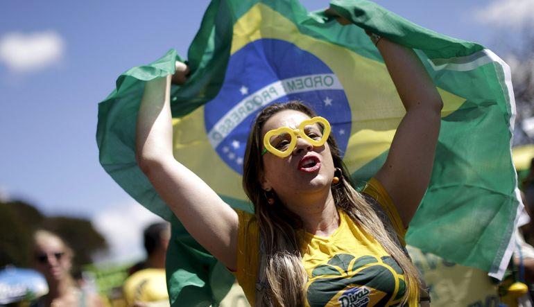 Rousseff'e istifa çağrısı
