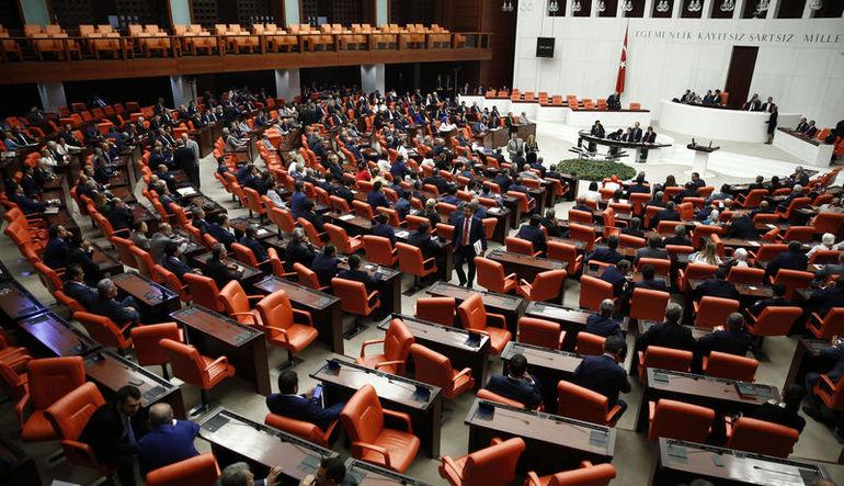 Türk siyasi tarihi ilklere gebe