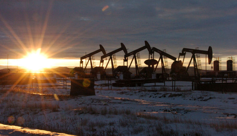 Petrol neden düşüyor?