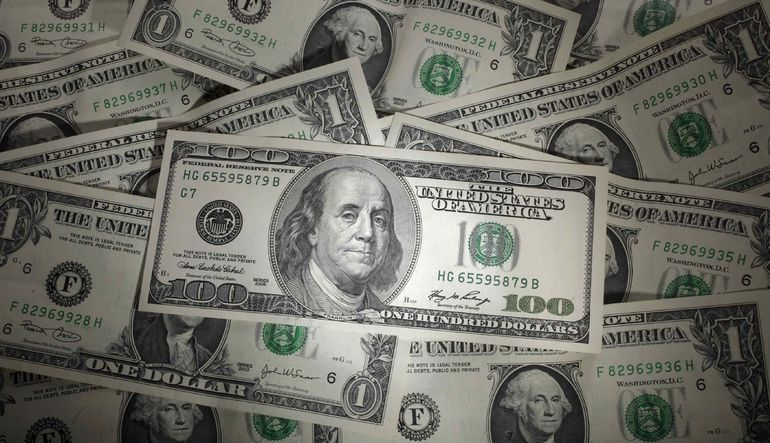Kur yükselirken döviz mevduatları 30 milyar dolar arttı