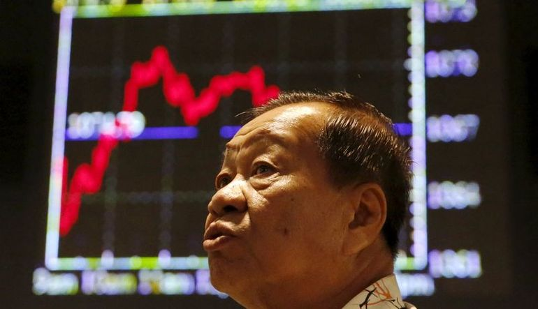 Çin'in borsaya müdahaleyi durduduğu belirtiliyor