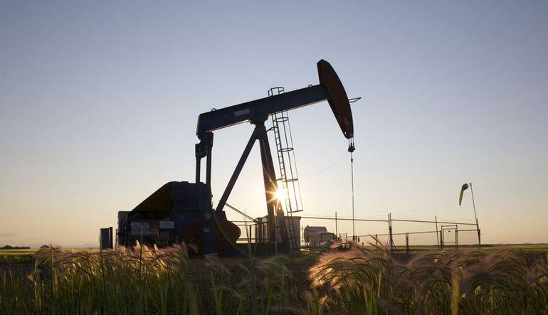 ABD ve İran verileriyle petrol düşüyor