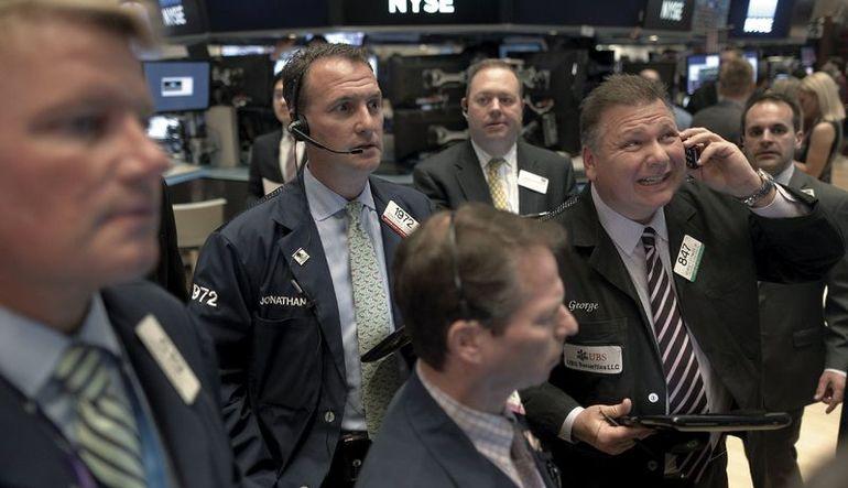 ABD hisseleri düşen petrol fiyatları ile çöktü