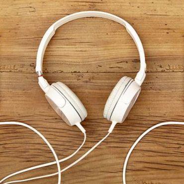 Spotify, Apple'da çıkan müzisyenlerin yoluna taş koyuyor
