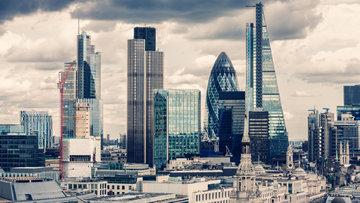 Brexit endişesi İngiltere'deki bankaları ülke dışına çıkarıyor