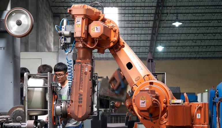 Çin'de imalat PMI sürprizi