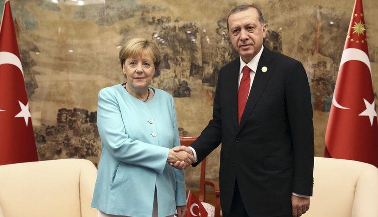 Erdoğan ve Merkel tele-zirvede ne konuştu?