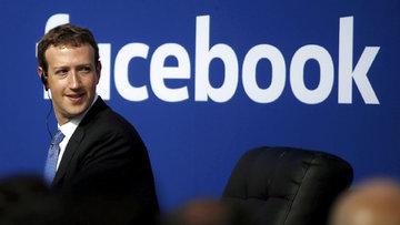 Zuckerberg'in koltuğu sallantıda