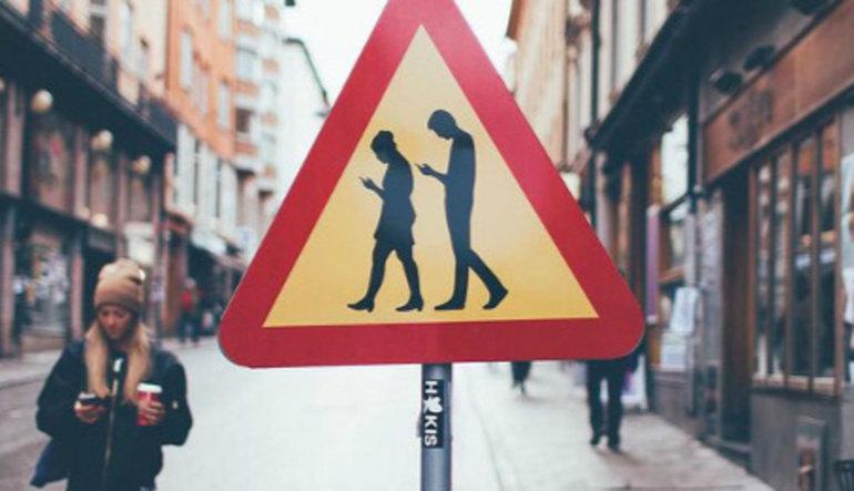 Akıllı telefon zombiliği vebasının ne kadar hızlı yayıldığını gösteren 10 işaret