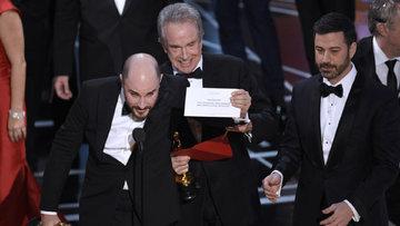 Oscar Ödülleri'nde yanlış zarf skandalı