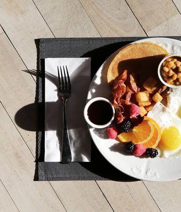 Bir kahvaltı için kaç saat çalışmamız gerekiyor?
