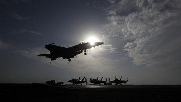 Hatay'da savaş uçağı düştü