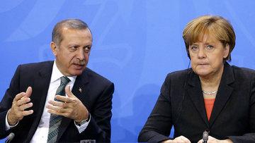 Merkel: Nazi benzetmeleri son bulmalı
