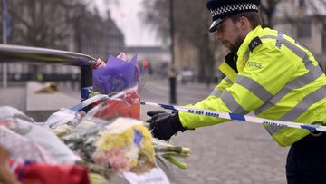 İngiltere Parlamentosu önünde silahlı saldırı