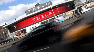Elektrikli otomobil üretti, 110 yıllık otomotiv devini tahtından etti