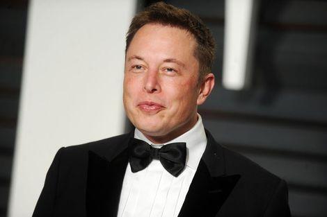 Musk'tan yatırımcılara tavsiye: Gidin Ford hissesi alın