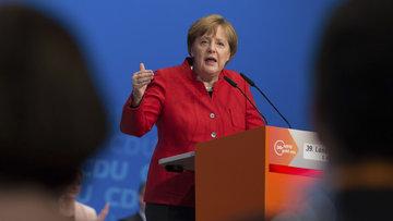Angela Merkel: Referandum sonucu toplumdaki bölünmeyi gösteriyor