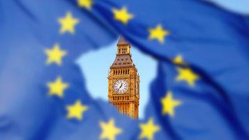 İngiltere'de erken seçime parlamento onayı