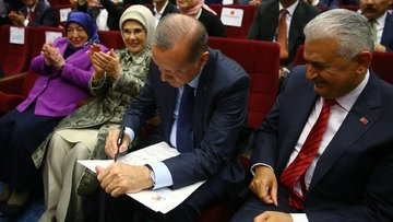 Erdoğan 33 ay sonra AK Parti'de