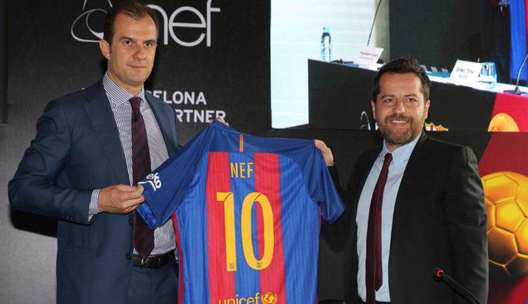 Nef, Barcelona'ya imzayı attı