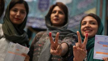 İran'da zafer Ruhani'nin