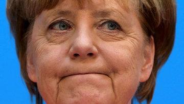 Merkel'den euroyu uçuran açıklama