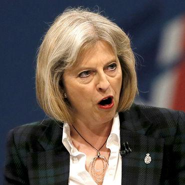 Theresa May taban kaybediyor