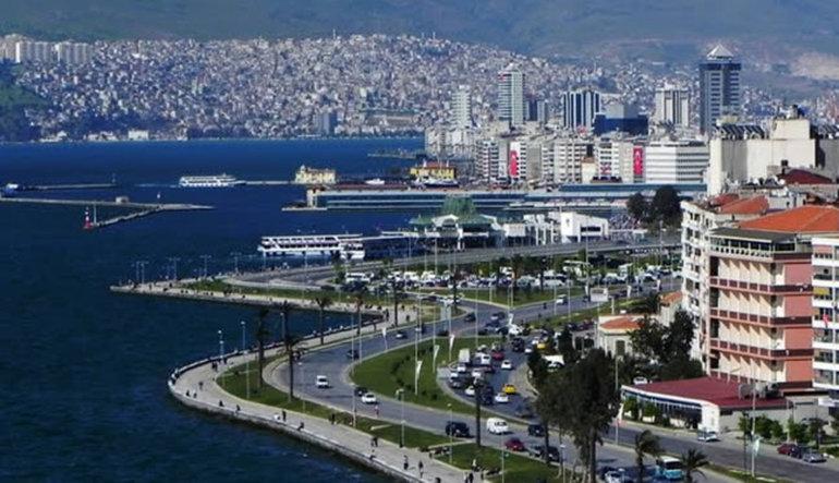 Fitch İzmir'in notunu zirveye yükseltti