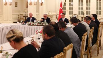 Başbakan Yıldırım: Kabine bir gün bakarsınız değişmiş