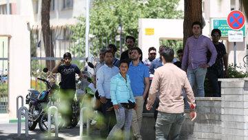 İran'da parlamentoya ve Humeyni'nin mezarına saldırı