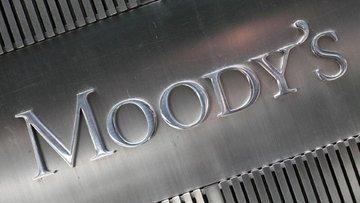 Moody's Güney Afrika'nın notunu kırdı
