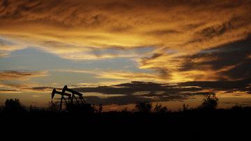 """""""OPEC ek kesintiyi değerlendiriyor"""""""
