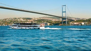 İstanbul Boğazı 27 metreye kadar daraldı