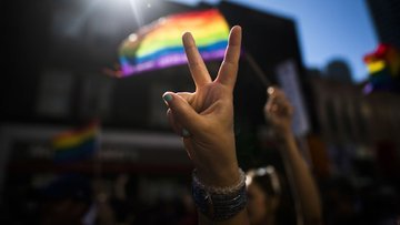 Eşcinsel evlilik bir ülkede daha kabul edildi