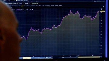 Forekste 15 bin yatırımcı çekildi, hacim 5'te 1'ine düştü