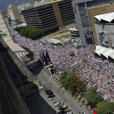 Venezuela'da hayat durdu