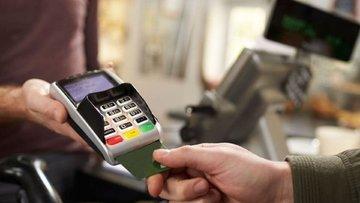 Kredi kartına farklı fiyat pazarı karıştırdı
