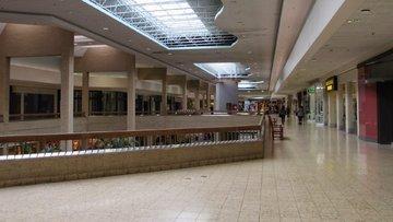 AVM'lerde 4 bin mağaza boş