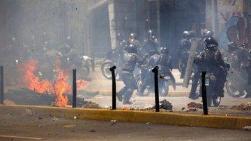 Venezuela'da kaos durulmuyor: 10 ölü