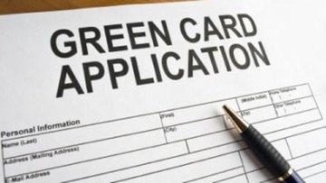 Trump, Green Card lotosunu kaldırmaya hazırlanıyor