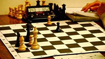 PİYASA TURU: Euroda üçlü çalkantı