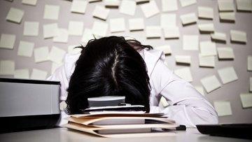 Çalışanlar 35 yaşında işlerinden nefret etmeye başlıyor