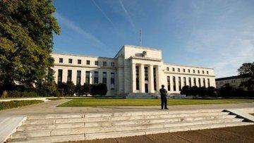 Fed'den iki karşıt görüş